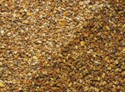 Decorative chippings, gravels & pebbles: York gold gravel 20mm 25kg bag