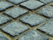 Cobbles and cobble setts: Charcoal granite setts