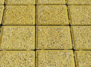 Cobbles and cobble setts: Buff granite cobbles